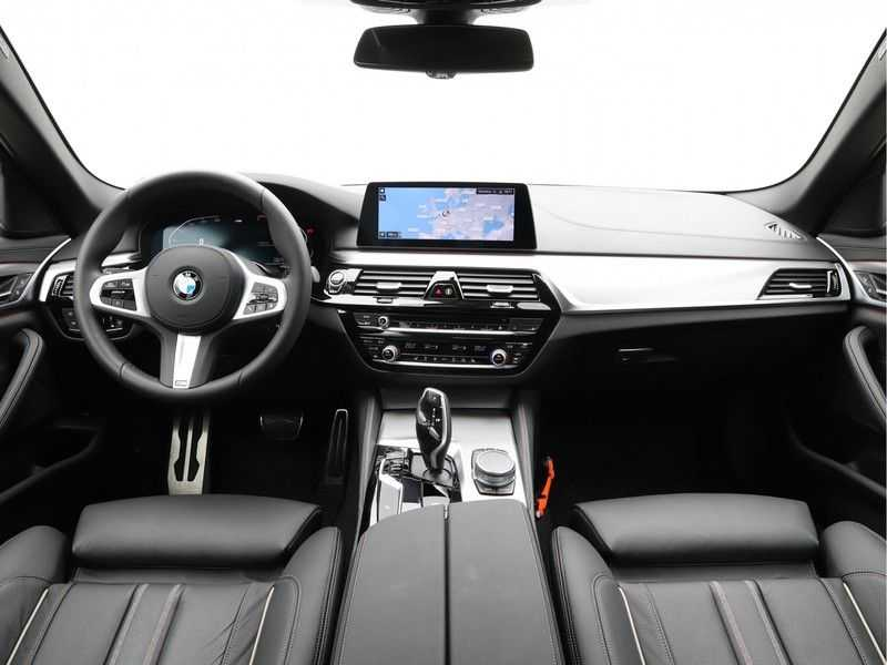 BMW 5 Serie 520i High Exe Aut. M-Sport afbeelding 16