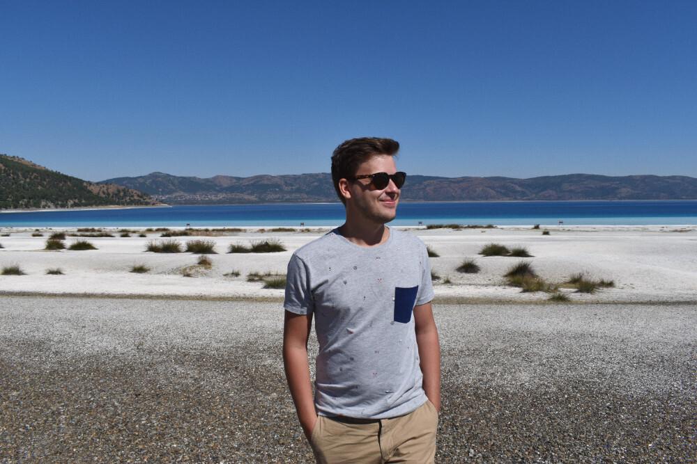 Adam Zapaśnik by the lake Salda in Turkey