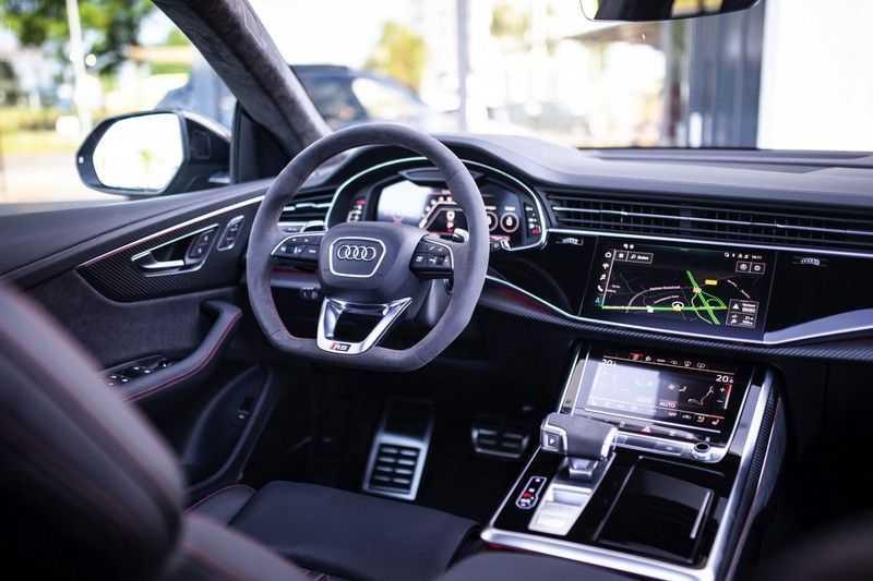 "Audi RS Q8 4.0 TFSI Quattro *RS-Dynamic Plus / Keramisch / Massage / HUD / 23"" / B&O* afbeelding 2"