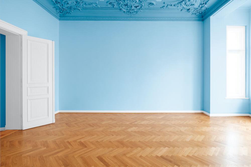 Frisch renovierte leere Wohnung vor Verkauf