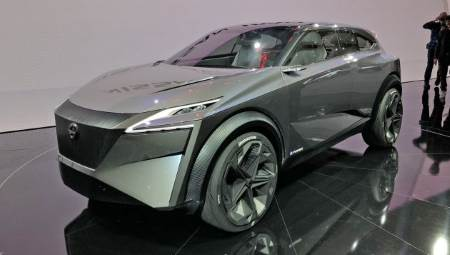 Japanese company Nissan have unveiled their IMq concept which gathered a lot of attention, and is aiming to inspire the next Qashqai with its unique but family-sized chassis.