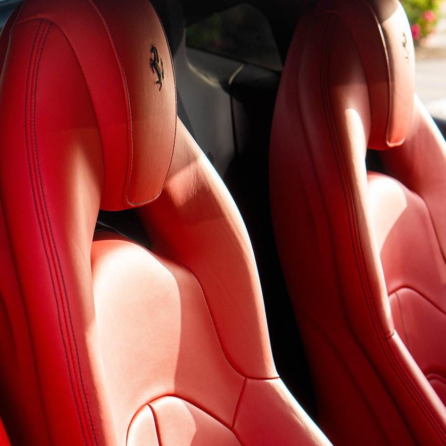 Ferrari 488 mobile seats