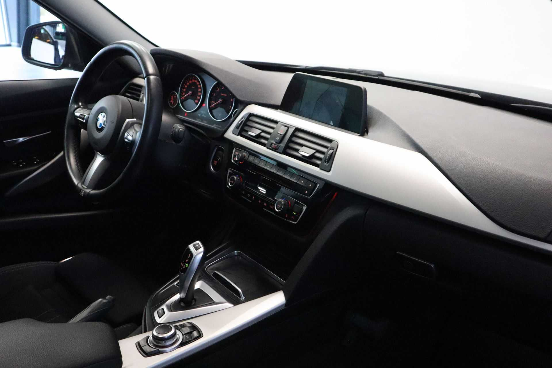 """BMW 3 Serie 330e M Sport Full Led Navigatie Clima Cruise 18""""LM afbeelding 14"""