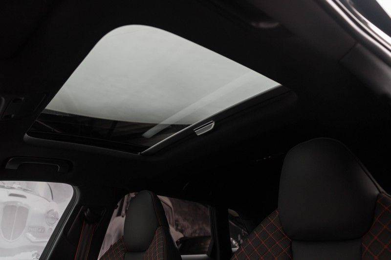 "Audi RS3 Sportback 2.5 TFSI 400pk Quattro Panoramadak BlackOptic B&O Sportstoelen Led-Matrix Navi/MMI DriveSelect Carbon ACC Keyless Camera 19"" Pdc afbeelding 6"