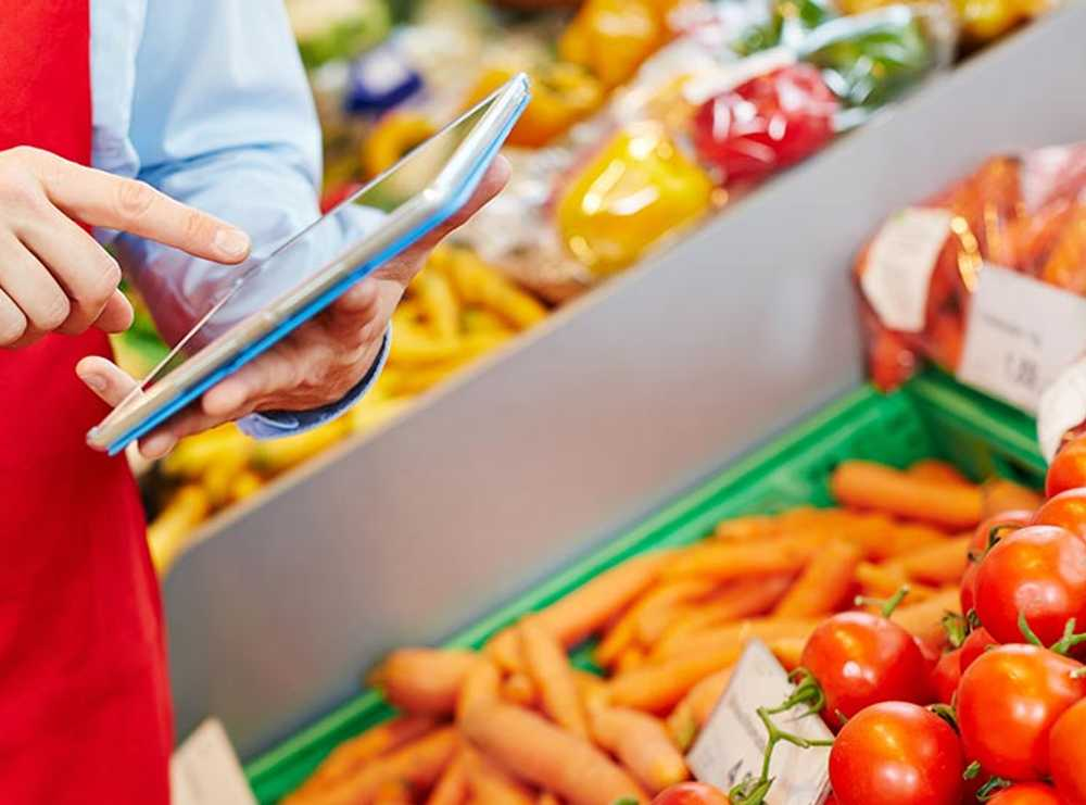Accruent - Resources - Blog Entries - European Grocers Reduce Operations Costs Using Facility Management Software - Hero