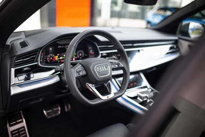 """Audi Q8 50 TDI Quattro *S-line / 23"""" / Panorama / Matrix-LED / Standkachel* afbeelding 4"""