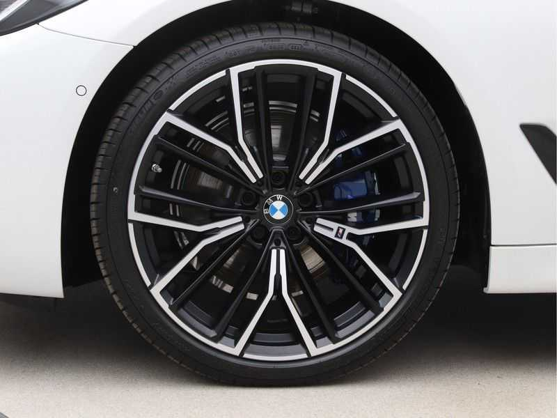 BMW 5 Serie 530i High Exe M-Sport LCI afbeelding 21