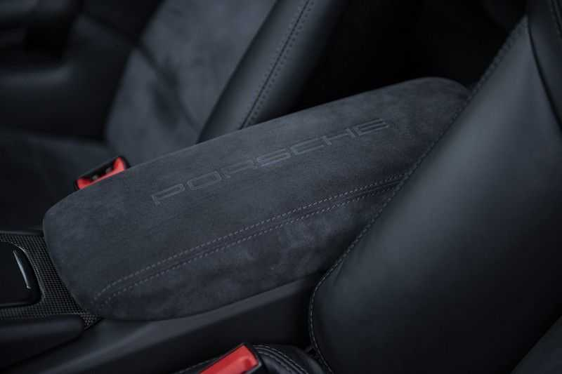 Porsche 911 Turbo S 991.2 3.8 Carbon seats + Keramisch + 4-wiel best. + NP € 331.000,- + Dak + Carbon + Bose + Carplay + ACC afbeelding 10