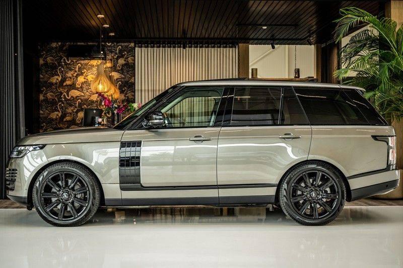 Land Rover Range Rover 4.4 SDV8 Black Pack | Panorama | Head-up Display | Trekhaak | Ambient lighting afbeelding 2