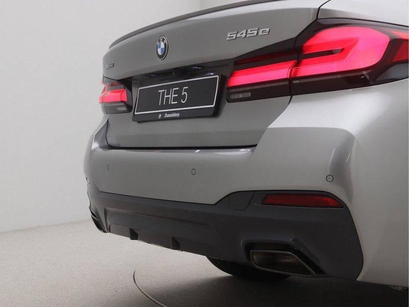 BMW 5 Serie Sedan 545e xDrive High Executive Edition afbeelding 23