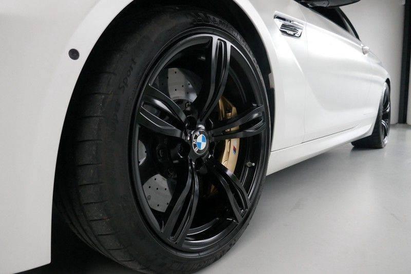 BMW 6 Serie Cabrio M6 Ceramic brakes - Akrapovic - B&O afbeelding 18