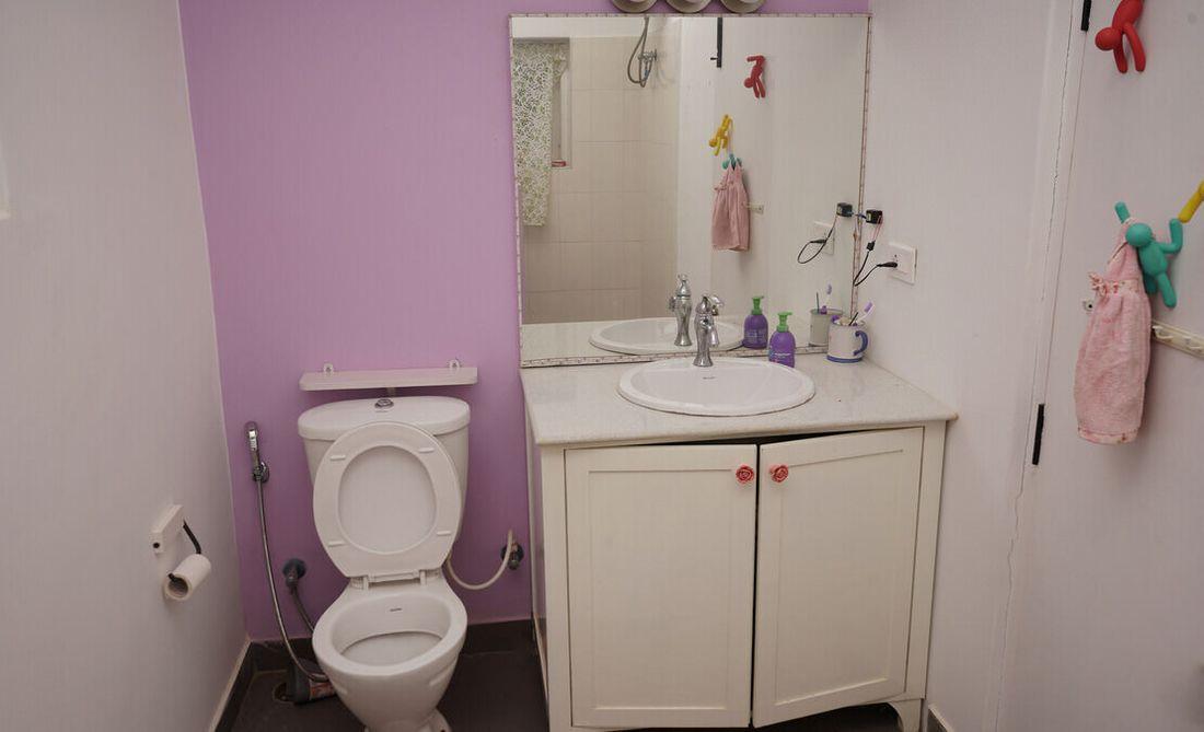 House in Sua Serenitea Malhar Bathroom