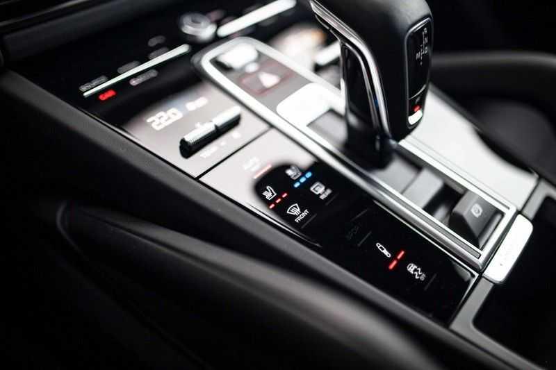 Porsche Cayenne 2.9 S Coupé 12-2020 Sportdesign *BOSE / 4 Wielbesturing / Memory / Sport Chrono / HUD* afbeelding 16