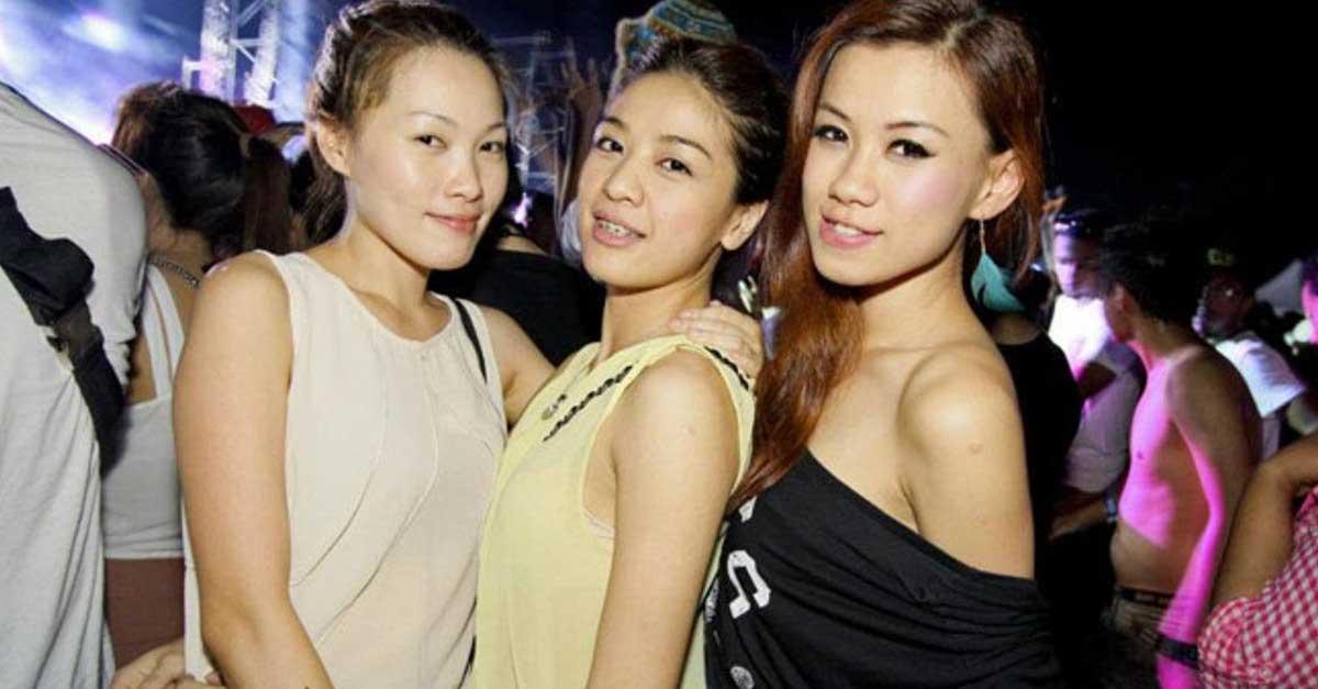 Suasana Malam Di Pattaya Yang Penuh Wanita Penggoda