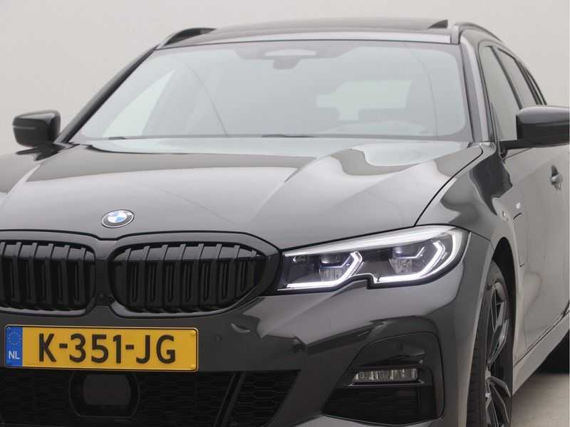 BMW 3 Serie Touring 330e High Executive M-Sport Automaat afbeelding 18