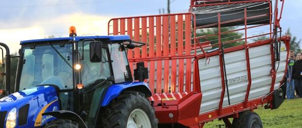 Self loading wagons