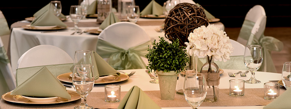 Wedding Table Setting - Des Moines, Ia