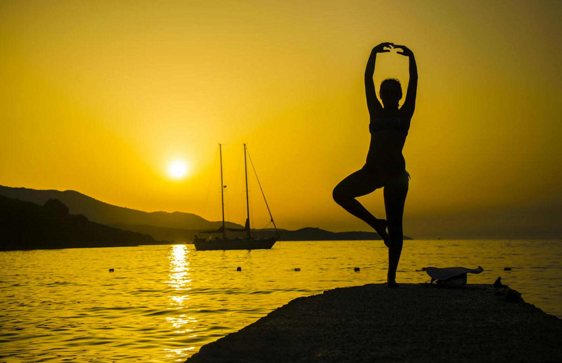 gallery/sailing-and-yoga-11.jpg
