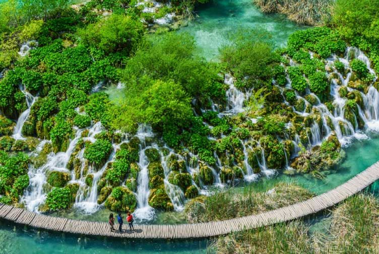 Krka Waterfalls to Zagreb