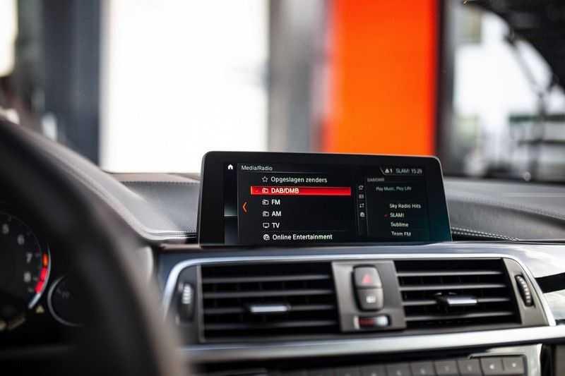 "BMW M4 Cabrio *Handgeschakeld / M-Sportuitlaat / Memory / HUD / 19"" / H&K* afbeelding 21"
