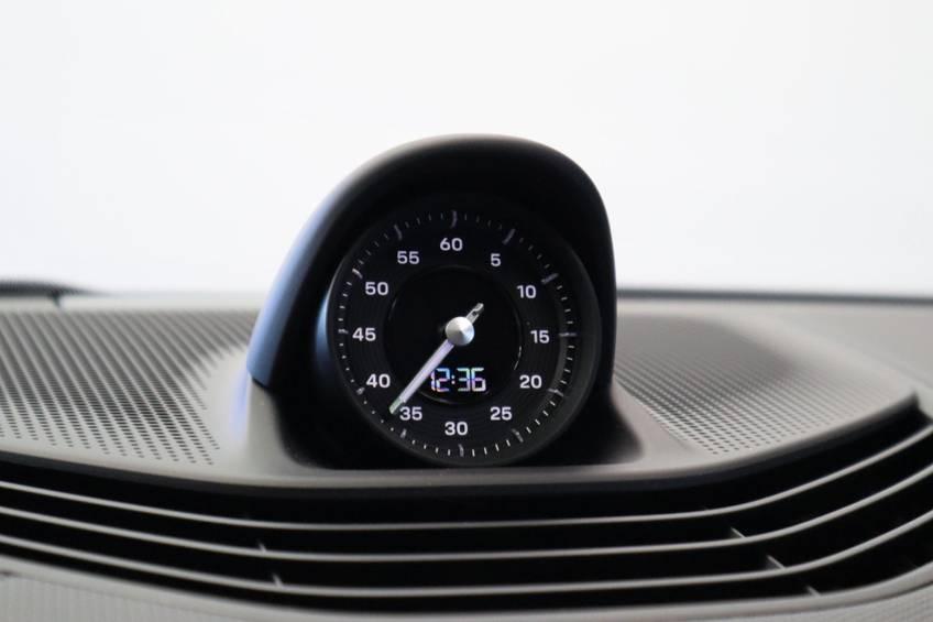 Porsche Taycan 4S Performance 571pk! | Prijs ex.btw 99000,- | Full-Led Sport-Chrono Panoramadak Warmtepomp afbeelding 34