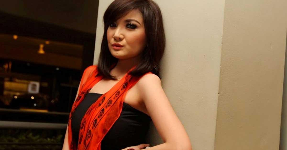 DJ Kiki Amalia Tetap Cantik Dan Awet Muda