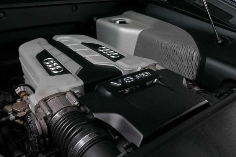Audi R8 4.2 V8 FSI Quattro Black Edition afbeelding 8