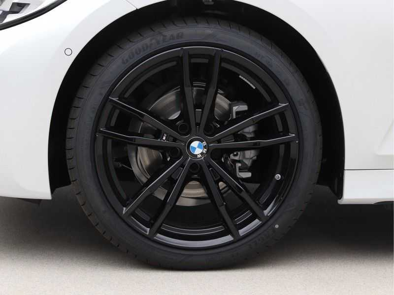 BMW 3 Serie Touring 318i Exe M-Sport Aut. afbeelding 16