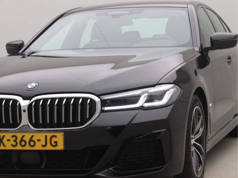 BMW 5 Serie Sedan 520i High Executive M-Sport Automaat afbeelding 20