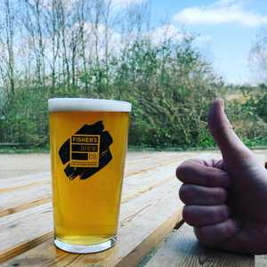 Today we're Testing out our 3.5% session blonde on keg. Fizzy. Blonde. Cold. Thumbs up. All we need now is more sun..... #sessionbeer #blondeale #bitlikealager