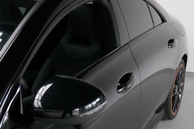 Mercedes-Benz CLA-Klasse 200 d /// AMG Edition 1 Nightpakket - Sfeer verlichting afbeelding 8