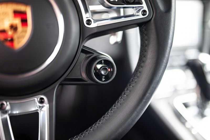 Porsche 911 Cabrio 991.2 3.0 Carrera 4 GTS *BOSE / Liftsysteem / Sport Chrono / DAB / PASM* afbeelding 7