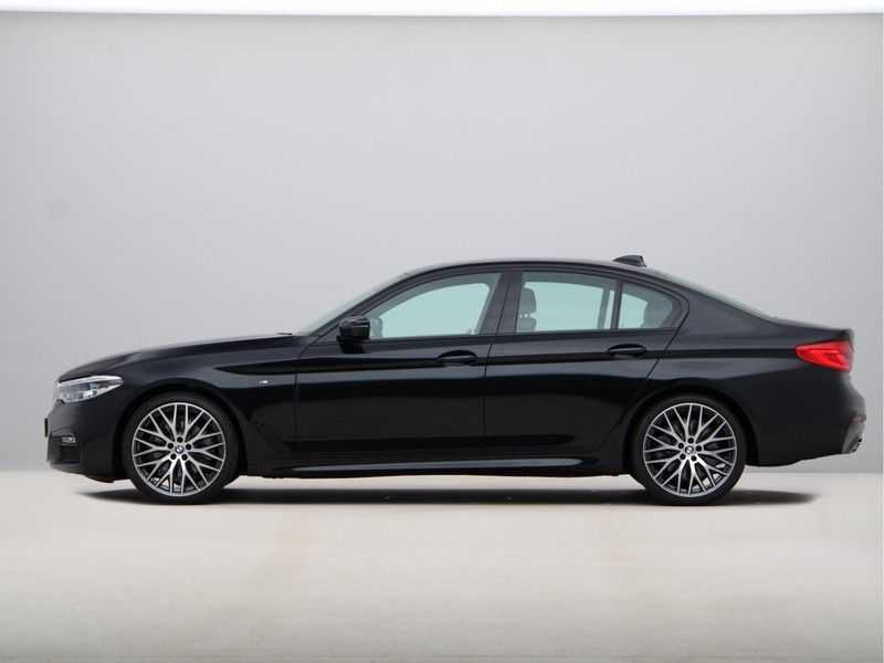 BMW 5 Serie 520i High Exe Aut. M-Sport afbeelding 11