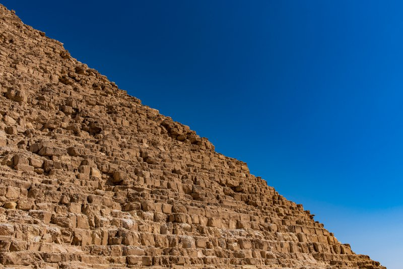 Pyramid of Khafre (هرم خفرع)