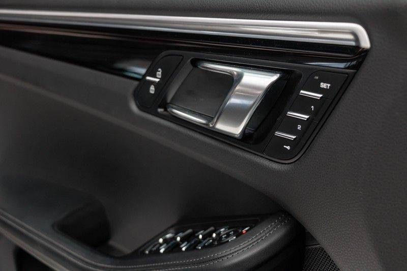 Porsche Macan 3.0 S 354pk PDK Black Design Nieuw Model (Krijt) Luchtvering Panoramadak ACC Sportleder+Memory Full-Led Bochtenverlichting Navi/High Privatglass AppleCarplay 21'' Camera Pdc Trekhaak afbeelding 15