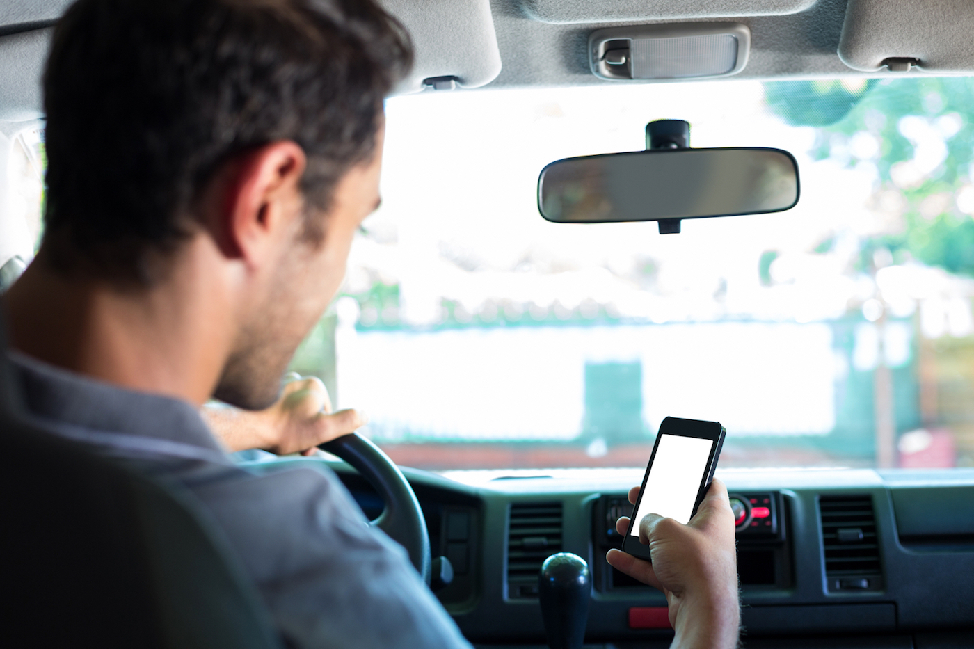 driver-on-cell-phone