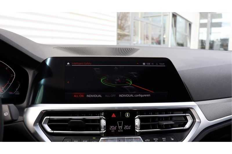BMW 3 Serie Touring 330i Executive M Sport Driving Assistant Plus, HiFi, Comfort Access afbeelding 16