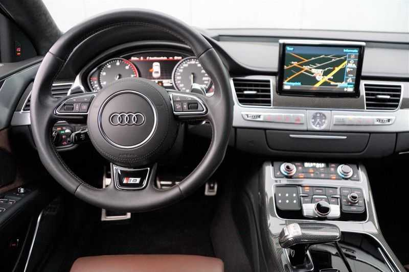 Audi S8 4.0 TFSI quattro Pro Line+ / B&O / Nightvision / Side- & Lane assist / Schuifdak / Head-Up afbeelding 8