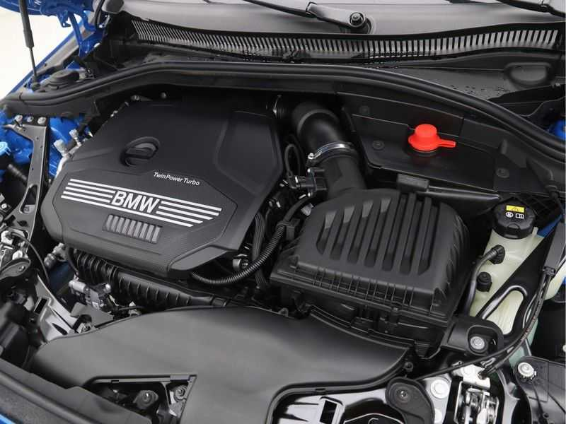 BMW 2 Serie Gran Coupé 218i Executive Edition M-Sport Automaat afbeelding 10