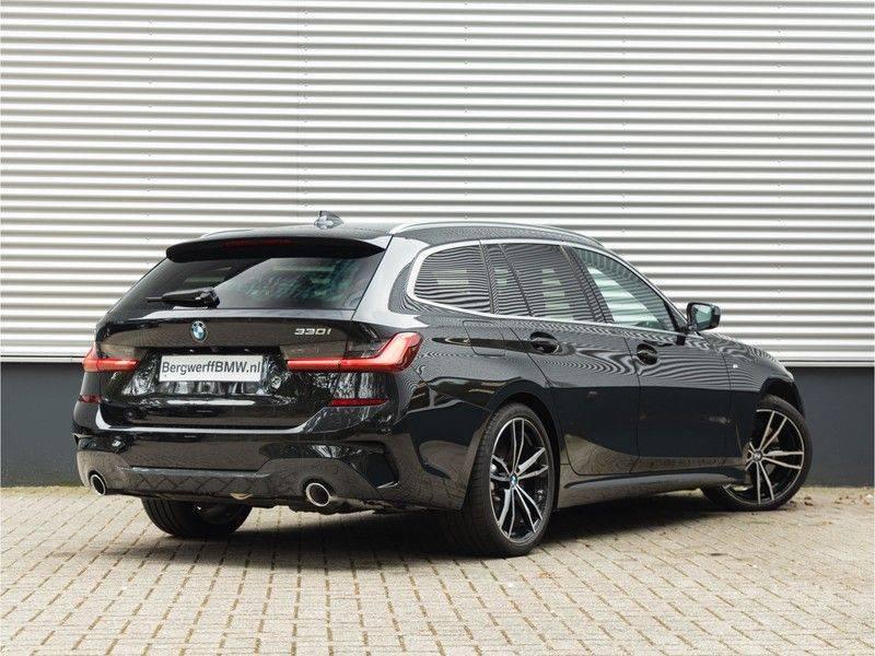 BMW 3 Serie Touring 330i M-Sport - Individual - Memoryzetel - Panorama - Trekhaak afbeelding 2