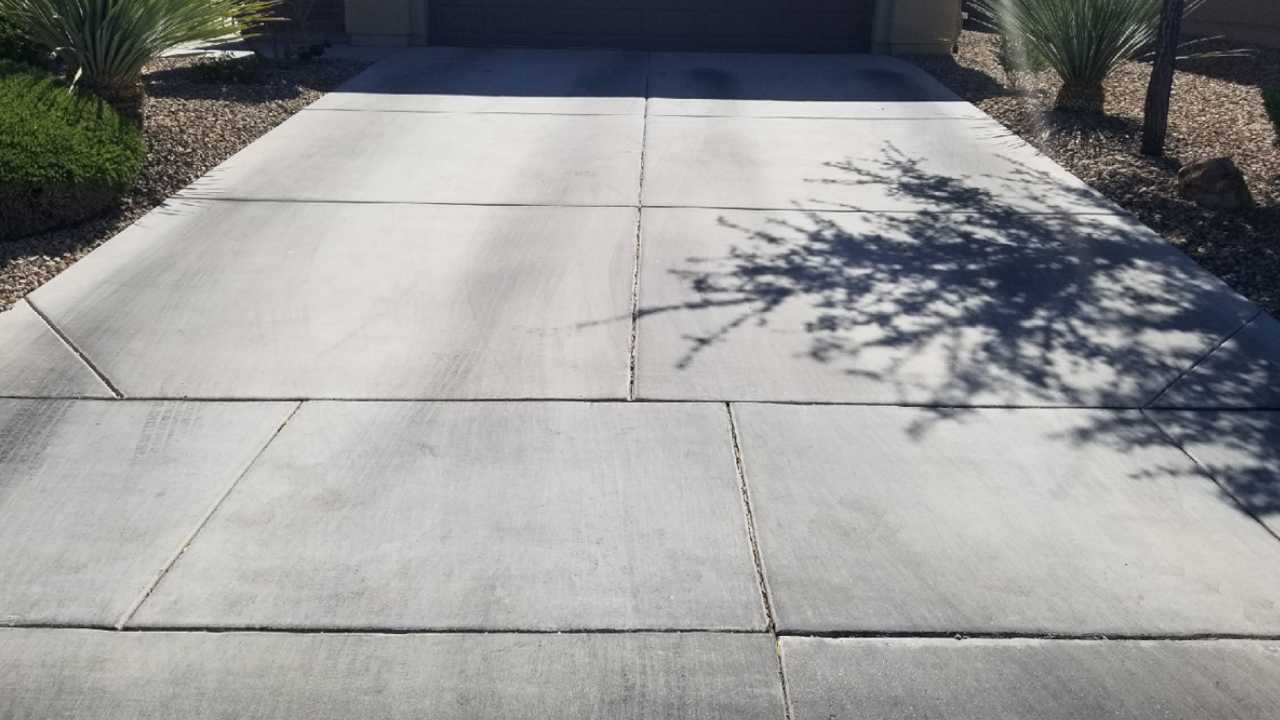 Second driveway before cleaning