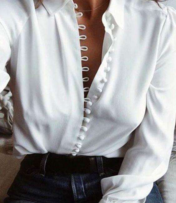 Chemise blanche avec boutonnière originale
