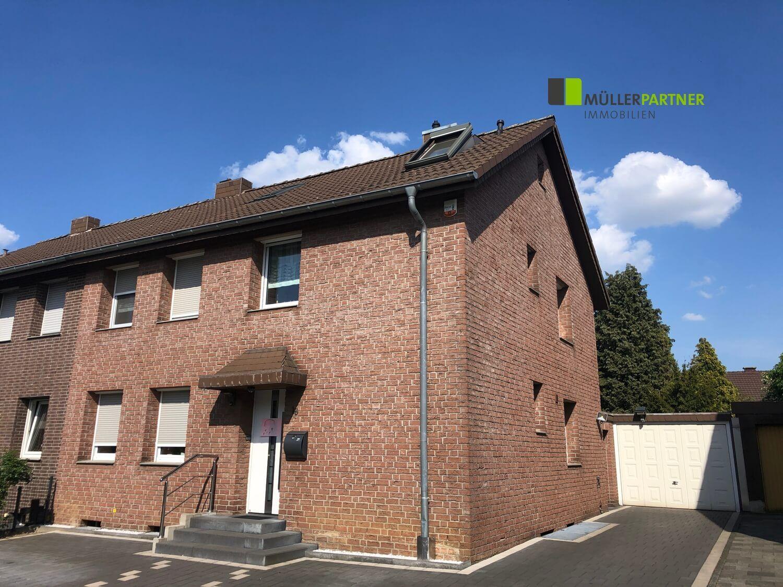 Verklinkertes Einfamilienhaus mit Garage in Alsdorf-Zentrum