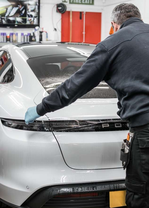 Porsche Taycan image