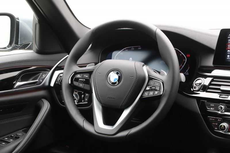 BMW 5 Serie 520i High Exe Luxury Line afbeelding 7