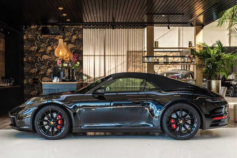 Porsche 911 Cabrio 3.0 Carrera S |Sport Chrono | Sportuitlaat | PDLS | GT-sportstuurwiel | Entry & Drive afbeelding 8
