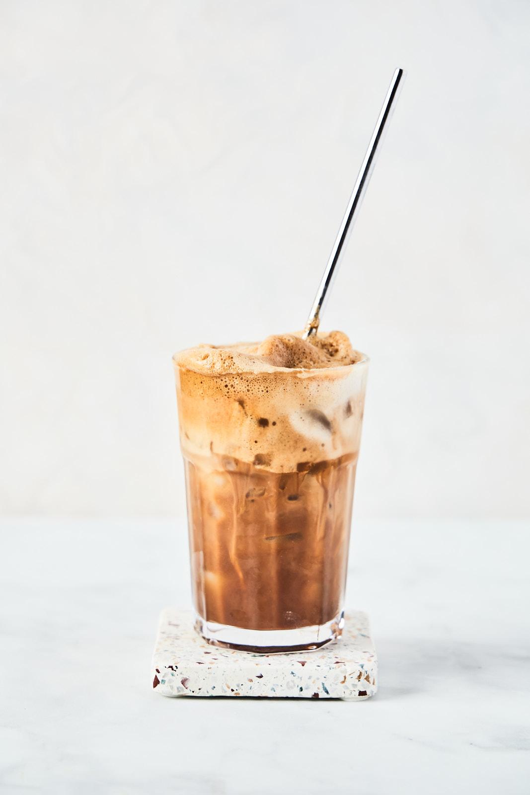 Dalgona Coffee vs Greek Frappe
