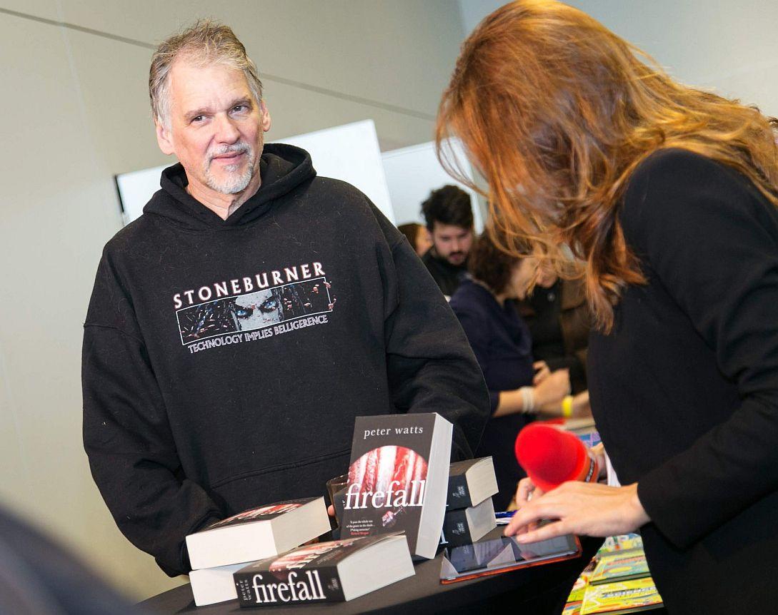 Питер Уоттс на презентации книги «Огнепад». Фото из блога Питера Уоттса rifters.com