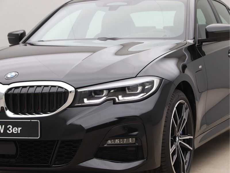 BMW 3 Serie 330e High Exe M-Sport Aut afbeelding 18