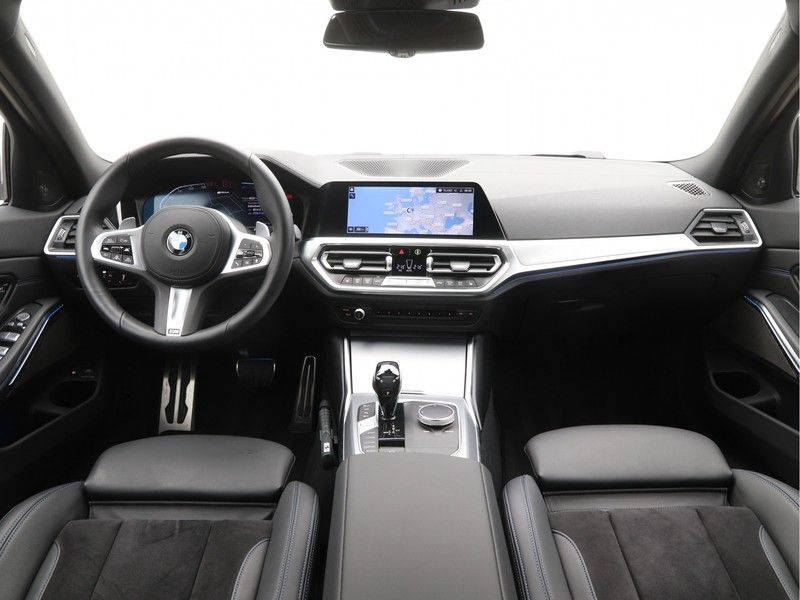BMW 3 Serie 330Xe Touring High Exe M-Sport afbeelding 13